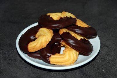 Polomáčené máslové sušenky