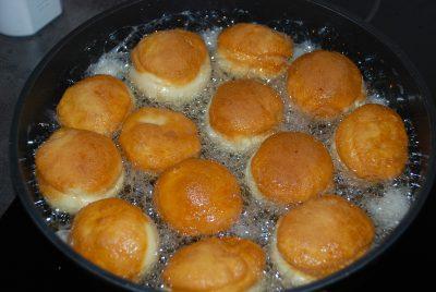 Domácí koblihy s marmeládou